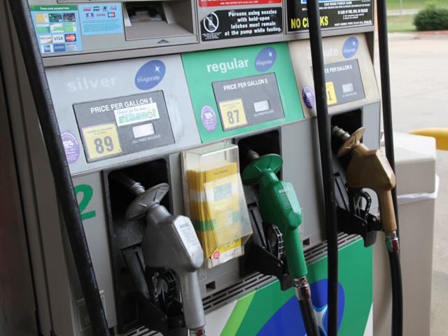 Legislation introduced in the U.S. House of Representatives on Tuesday would cap the volume of ethanol blended in gasoline at 9.7%. (DTN file photo by Elaine Shein)