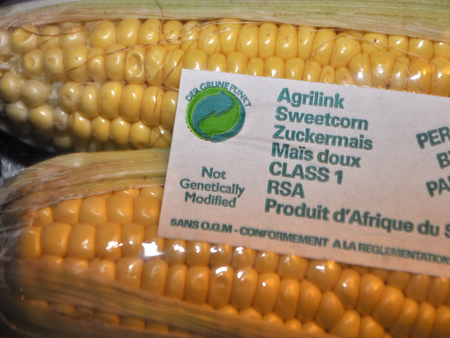 A Senate bill would create a voluntary labeling standard for food companies wishing to label that their food contains ingredients from genetically engineered foods. (DTN file photo by Chris Clayton)