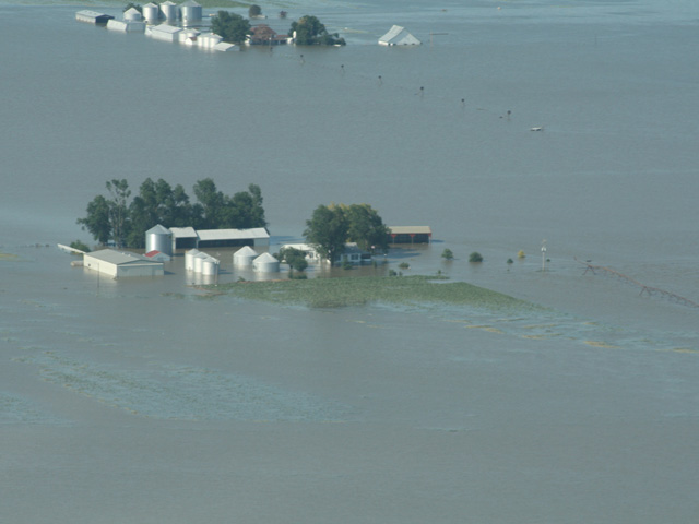 A new group of farmers has filed a class-action lawsuit against the U.S. Army Corps of Engineers seeking damages for repeated flooding and damages to farm ground in the Missouri River basin. (DTN file photo by Amanda Ottmann)