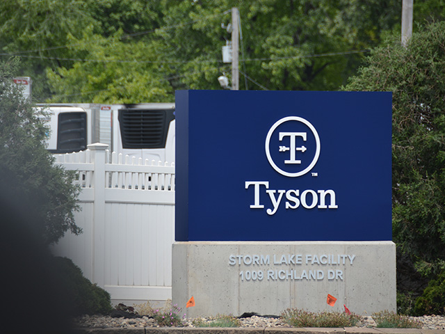 Tyson Foods announced a $221.5 million settlement in an ongoing class-action lawsuit that alleges chicken companies fixed broiler prices.  (DTN file photo by Chris Clayton)